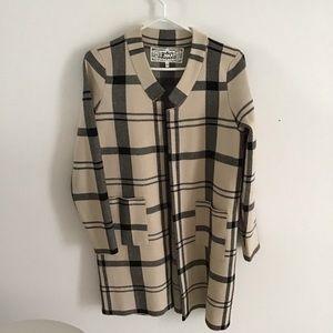 ⭐️Sale 3/$20 Plaid Pink Martini sweater jacket, beige/black, sz XS